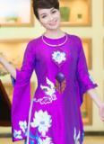 Mai Thu Huyền tuyệt xinh trong tà áo dài của Lan Hương