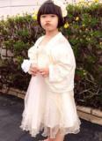 Con gái Thúy Nga diện váy trắng xinh như công chúa