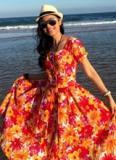 U50 Việt Trinh diện váy hoa xinh như gái đôi mươi