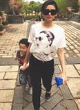Trương Quỳnh Anh ăn mặc giản dị đưa con trai đi chơi