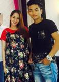 Khánh Thi - Phan Hiển mặc đồ đôi cùng nhau đi ăn