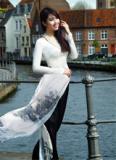 Áo dài Ngô Nhật Huy gây thương nhớ tại Bỉ
