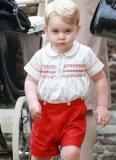 Trang phục Hoàng tử George tiếp tục bán 'cháy hàng'