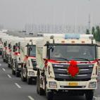 Chú rể rước dâu bằng 36 xe tải gây 'náo loạn'