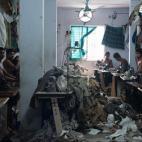 Cuộc sống mưu sinh khốn khó của trẻ em nghèo ở Bangladesh