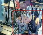 Thủ đoạn móc túi tinh vi của 'nữ quái' trong cửa hàng quần áo