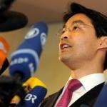 Cậu bé mồ côi gốc Việt trở thành Phó Thủ tướng Đức