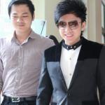 Vắng vợ, Đan Trường xuất hiện cùng bầu Hoàng Tuấn tại Hà Nội