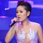 Phương Linh mặc váy táo bạo lên sóng truyền hình