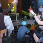Thanh Lam diện quần đùi tập hát cùng Quang Hà