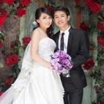 Cặp đôi gây bất ngờ với thiệp cưới theo giao diện Facebook