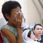 Cô dâu trong đám cưới cổ tích bật khóc trước ngày xuất viện