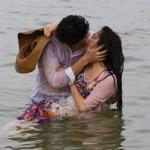 Nhã Phương và Kang Tae Oh hôn nhau say đắm ở Đà Nẵng