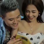 Vũ Duy Khánh tình tứ ôm ấp DJ Trang Moon