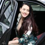 Trang Nhung đi làm đẹp bằng xe tiền tỷ sau sinh