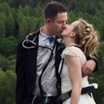 Cặp đôi làm đám cưới trên cây độc đáo