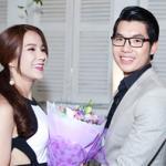 Trương Nam Thành ôm hoa đến mừng sinh nhật Diệp Lâm Anh