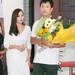 Chồng Lã Thanh Huyền tháp tùng vợ đi ra mắt phim
