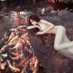 Hotgirl Hồng Lam hóa thân thành nàng tiên cá khoe ngực trần quyến rũ
