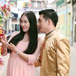Vợ chồng Phi Thanh Vân tình tứ trên phố lồng đèn sau nghi án bầu giả