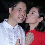 Việt Trinh hôn Ngọc Sơn thắm thiết trong sinh nhật sớm