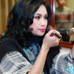 Hồng Nhung tươi trẻ, Thanh Lam tự make-up trong hậu trường