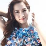 Đặng Thu Thảo đẹp mong manh với váy kết hoa lan kỳ công