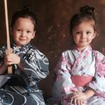 Hai con của Hồng Nhung 'đốn tim' fan khi mặc  Kimono