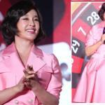 U70 Lưu Hiểu Khánh 'cưa sừng' với váy hồng bóng