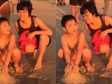 Thảo Vân trẻ trung chơi đùa trên biển cùng con trai