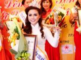 Mã Đào Ngọc Bích tỏa sáng với vương miện Hoa khôi Doanh nhân Tài Sắc 2014
