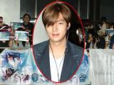 Lee Min Ho giữa đêm vẫn bị 'rừng' fan 'quây kín'