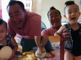 Con trai Hiếu Hiền tạo dáng 'độc' với trứng đà điểu