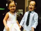Cặp song sinh nhà Hồng Nhung ăn diện 'có đầu tư' đến lớp