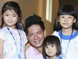 Con gái Trương Ngọc Ánh đi sự kiện cùng gia đình Bình Minh