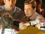 Hành động của Brad Pitt với fan nhí khiến nhiều người ngưỡng mộ