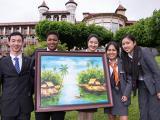 Bức tranh của đại sứ Young WLIN Thu Ngân được trả giá 100 triệu đồng