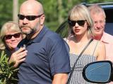 Taylor Swift dẫn bạn trai mới chưa đầy 2 tuần về ra mắt bố mẹ