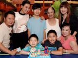 Vợ cũ và tình mới Bằng Kiều thân thiết trong tiệc sinh nhật con