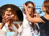 Khoảnh khắc hy hữu: Hoa hậu Australia nhăn nhó vì vương miện rơi khỏi đầu