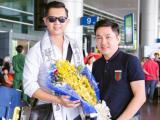 Bầu Hòa lịch lãm đón nam vương quốc tế Nguyễn Hải Quân tại sân bay