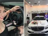 Thúy Diễm được ông xã Lương Thế Thành tặng xe Mercedes trắng dịp 20/10