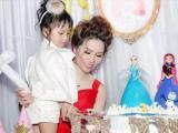 Công chúa Gia Hân của Hoa hậu Bùi Thị Hà tròn 3 tuổi, dàn sao Việt hội tụ tại dinh thực chúc mừng thiên thần xinh đẹp