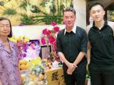 Đàm Vĩnh Hưng và Dương Triệu Vũ đến thắp hương cho nhạc sĩ Nguyễn Văn Đông