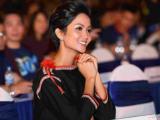 Hoa hậu H'Hen Niê diện trang phục Ê-đê làm Đại sứ chiến dịch Giờ Trái Đất