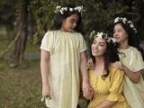 Dù bận rộn, cựu siêu mẫu Thúy Hạnh vẫn tranh thủ ghi lại những khoảnh khắc hạnh phúc bên 2 con