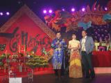 Sao Việt ở hải ngoại nườm nượp kéo về giỗ tổ nghề sân khấu