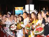 Fans Việt tưng bừng đón chào Hoa hậu, Nam vương quốc tế từ Thái Lan trở về
