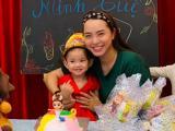 Hải Băng lộ rõ sự tăng cân với gương mặt 'tròn xoe' trong sinh nhật hai tuổi của con gái