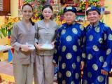 Trương Hồ Phương Nga giản dị đi hội đình vẫn đẹp rạng rỡ